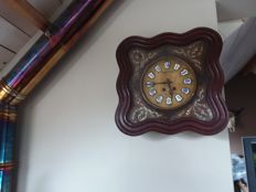 French wall clock -Oeil de Boeuf or Ox eye, with mother of pearl inlay - Belgium, Strauss Gembloux, period 1890