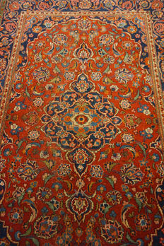 Authentic Antique finely hand-knotted Persian palace carpet, Kashan, cork, 130 x 200 cm, made in Iran