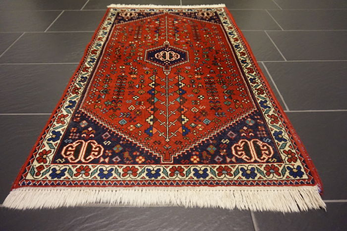 Magnificent handwoven Persian carpet Abadeeh Ardebil 75 x 120 cm made in Iran, wool/ natural dyes collectors edition