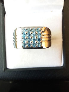 A Truly Stunning Genuine Brazilian London Blue Topaz Unisex Ring in Sterling Silver
