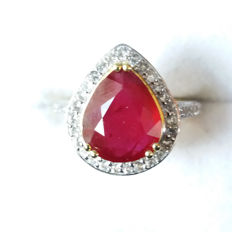 Stunning Large genuine 4.64cts Thai Ruby & Brazilian White Topaz Vermeil ring. Chic! Pigeon Blood Red.