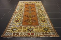 Collector's oriental carpet, Anatolia Milas Kazak Caucasus design, made in Turkey, 113 x 185 cm, old rug