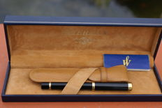 Gorgeous, Rare 18K Waterman Lady Patricia Fountain Pen With Leather Case