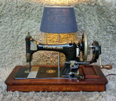 Seidel & Naumann - Antique Sewing Machine with Table Lamp Lighting - 1920 - Germany