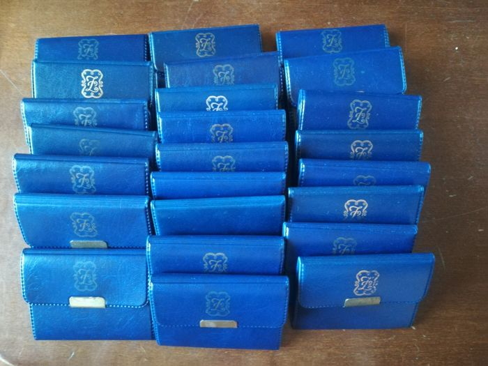 Italian Republic. Lot of 24 coins. 500 lira, Marconi, 1974. Silver, in original case from mint.