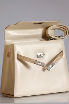 Kelly de Elio Berhayner bag *No minimum price*.