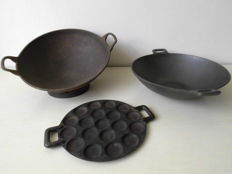 Vintage cast iron pans, 1 Wok - 1 Wok with 1 ring-1 skillet plate.