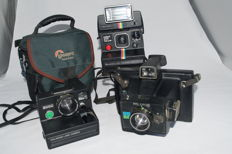 3 x Polaroid cameras Instant 1000 de luxe with polatronic 1- land camera 3000 + Löwe pro bag- Polaroid EE 66