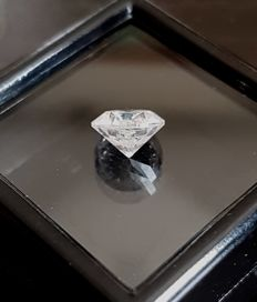 Diamond – 1.23 ct – E Color SI2 - Round Brilliant Cut- VG/VG/VG - No reserve Price.