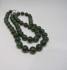 Vintage Jade- Nephrite beads necklace,  45.4 gr.