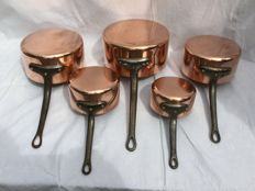 Rare set of 5 French copper saucepans and a plate warmer - Faucogney professional casseroles