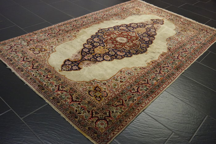 Orient carpet 140 x 230 cm Qom wool with silk made in Pakistan