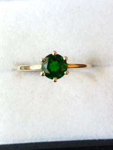 Beautiful Vivid Dark Green 0.91ct Russian Chrome Diopside in Tiffany 6 prong setting in yellow gold. Authentic