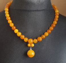 Old antique Baltic Amber necklace egg yolk butterscotch colour, 37 grams