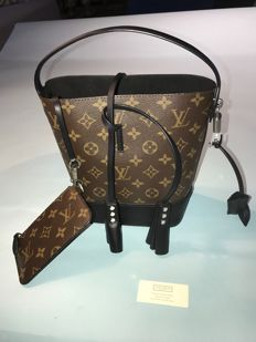 Louis Vuitton - Noé Handbag - Marc Jacobs Collection 2014