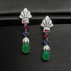 18K  earrings with 2.8ct of emerald and 0.286ct of diamond