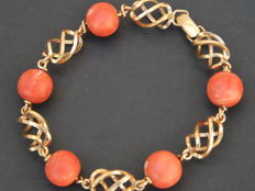 18 kt gold bracelet with natural genuine coral from Spain