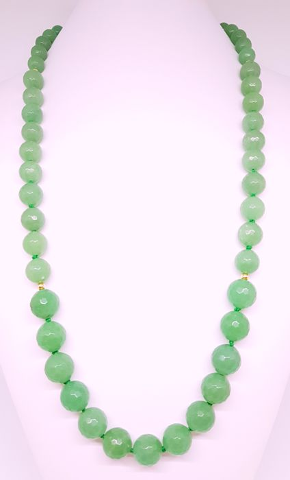 An aventurine and 14 kt gold necklace - 71.5 cm
