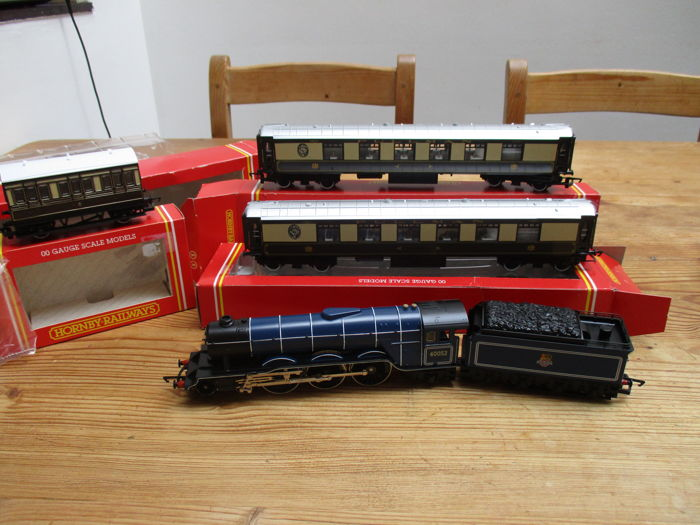Hornby 00 - R146 / R223 / R446 - steam locomotive Prince Palatine of the BR + 2 passenger carriages and 1 Pullman carriage with 2 axles