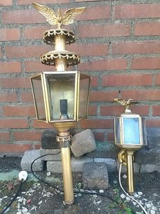 Set of two copper carriage lanterns with eagle