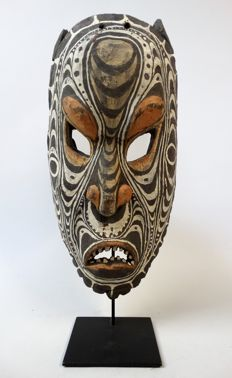 Demon Mask - Iatmul - Middle Sepik - Papua New Guinea