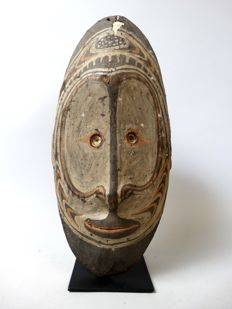 Ancestor wall mask from Torembi village - SEPIK - Papua New Guinea