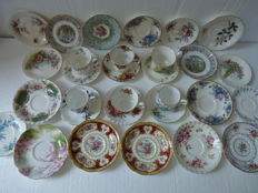 30 Pieces of Royal Albert cups and saucers