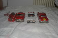 Japan - L. 18 cm - lot of three models, police and ambulance tin toys, 1950s/1960s