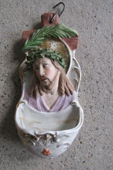Holy water font of biscuit, Jesus with crown of thorns