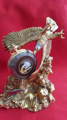 Franklin Mint heart of glory pocket watch with display
