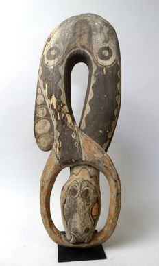 Large men's house snake carving - SEPIK - Papua New Guinea