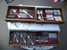 Cutlery case 129-piece 18/8 super 'polished stainless' -solingen rust free