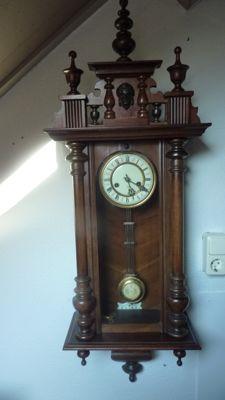 Regulator clock – period 1925/35