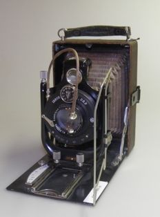 Camera with Ibsor-DRP shutter, 1913