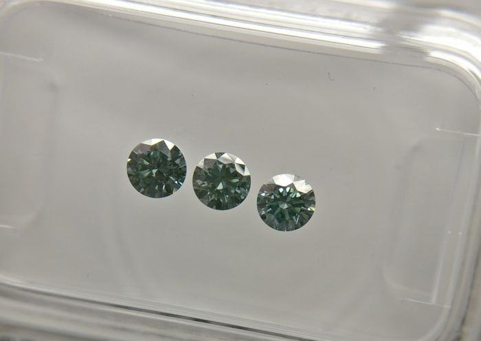 Lot of 3 Round cut diamonds total 0.37 ct Fancy Vivid Bluish Green VS1-SI1