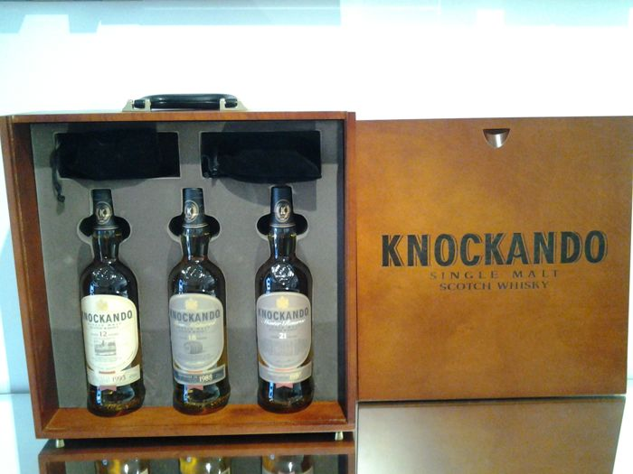 Knockando  Chessboard Case 12&18&21 Years - Original bottling - 70cl - 3 bouteilles