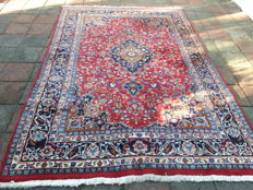 Magnificent Hand-knotted Persian Kashan - 240cm x 194cm !