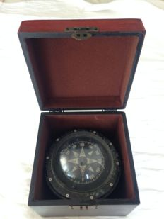 Vintage compass 18 Ø in wooden box