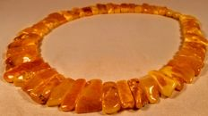 100% Genuine White-Egg yolk colour Vintage Baltic Amber necklace, length ca. 45 cm, 82 grams