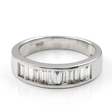 18 kt (750/1000) white gold – White gold ring with 1.20 ct diamonds – Diameter: 16.85 mm – Size: 13 (Spain)