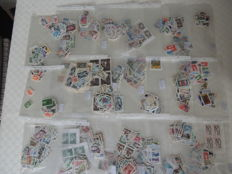 France – lot of 2100 stamps, face value of 2000 Francs, pouches of 100