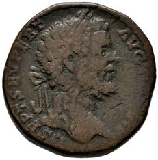 Roman Empire - Septimius Severus (193 - 211 A.D.) bronze sestertius (22,77 g, 30 mm) Rome mint, 195-196 A.D.  Jupiter holding victory and scepter.