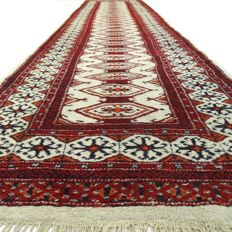 "Bukhara – 333 x 80 cm – ""Persian runner – 100% Wool and in good condition"" – With certificate"