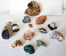 Collection of minerals - 30 to 140 mm - 3604 g (12)