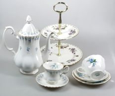 Royal Albert - bone China teapot, Cake stand and 3 cup & saucers (Memory Lane, Forget-me-not & Violets)