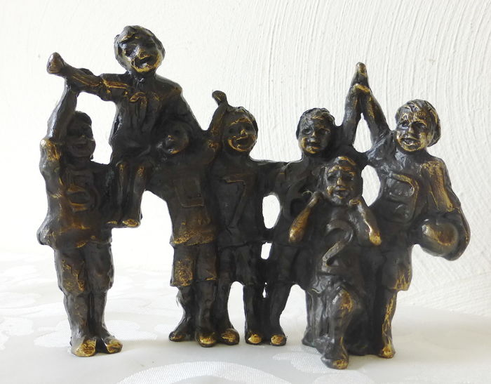 Astrid Veldhuyzen - bronze signed and dated sculpture -soccer/ball playing children