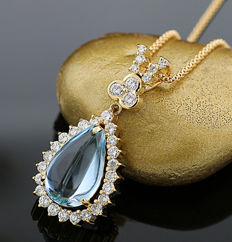 Aquamarine and brilliant necklace totalling 7.98 ct of which 0.98 ct of brilliants G/VVS yellow gold --NO RESERVE!--