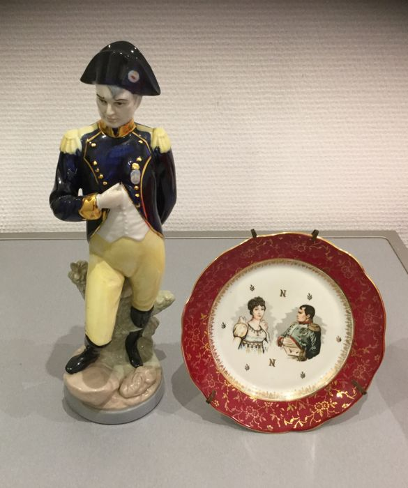 Porcelain - Napoleon porcelain plate - France - 20th century