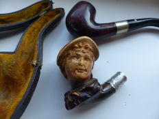 Rare antique hand carved meerschaum pipe - Incl. Silver Ferrule and case + More modern pipe