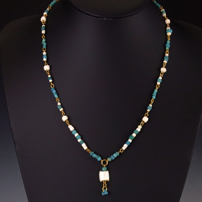 Necklace with Roman turquoise glass and shell beads - 52 cm